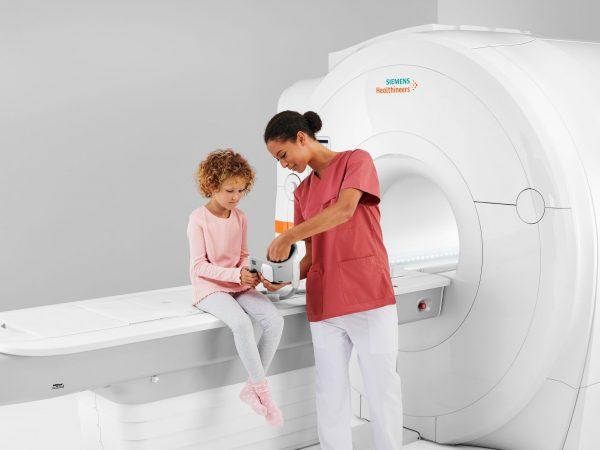 Rezonans magnetyczny – państwowo czy prywatnie?